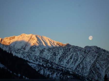 Moon setting over Thunder Ridge